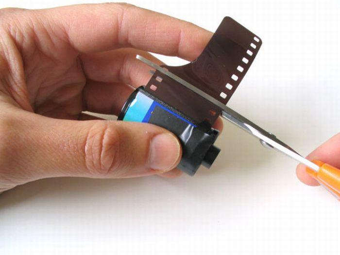 How to Build a Pinhole Camera Using a Matchbox (30 pics)