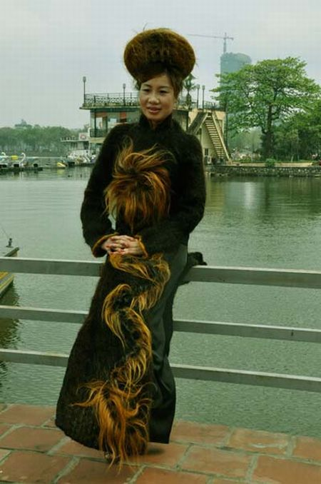 Dress Made from One Million Meters of Human Hair (11 pics)