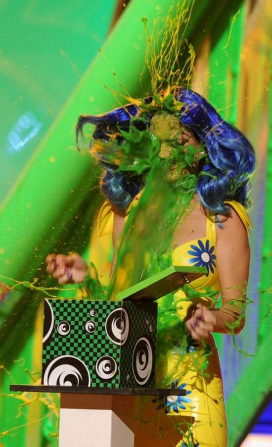 Katy Perry Got Pranked During The Kids Choice Awards (10 pics)