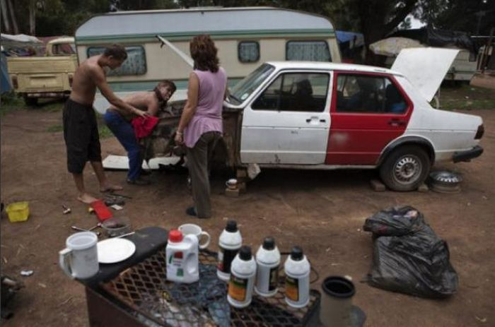 White South Africans Living in Poverty (36 pics)
