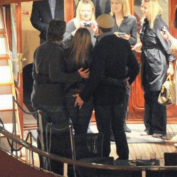 Gerard Butler likes Jennifer Aniston (3 pics)
