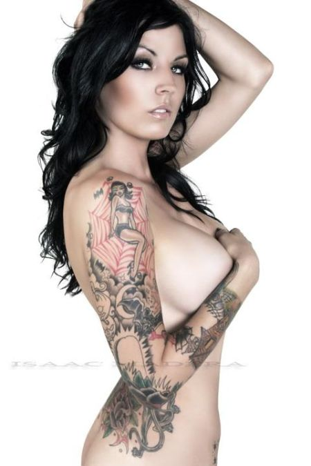 Hot Girls With Tattoos (97 pics)