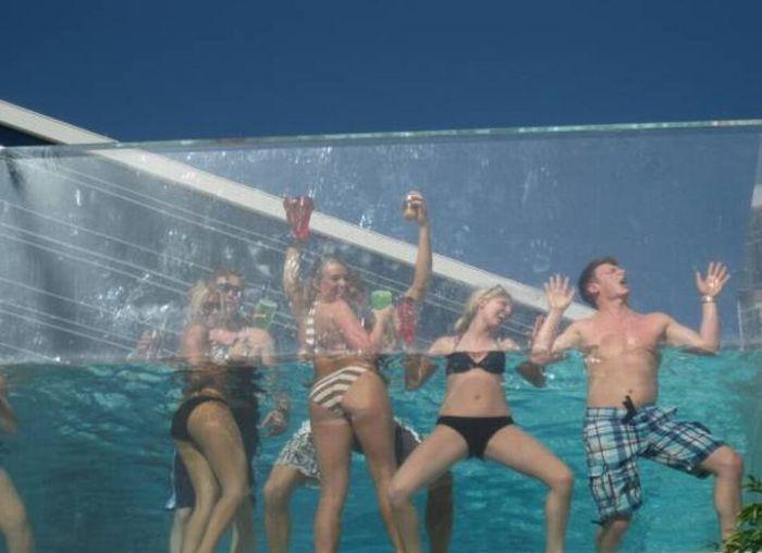Pool Party (12 pics)