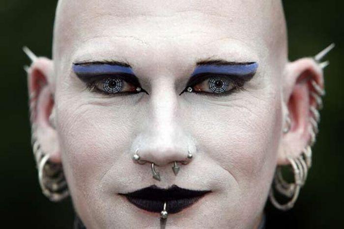 Cyber Goths (26 pics)