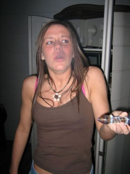 Girls With Weed 82 Pics-8929