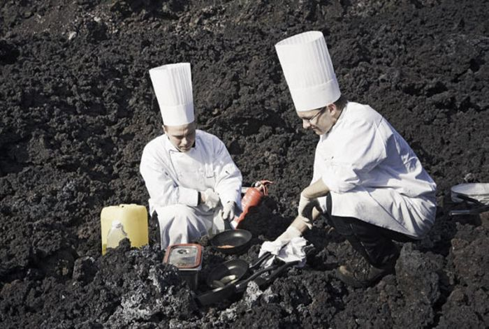 Volcano Lunch (10 pics)