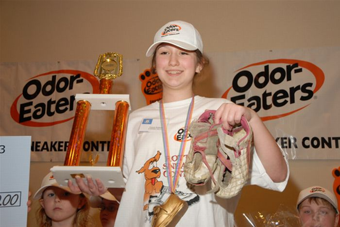 11-Year-Old Girl Wins Stinky Sneakers Contest (6 pics)