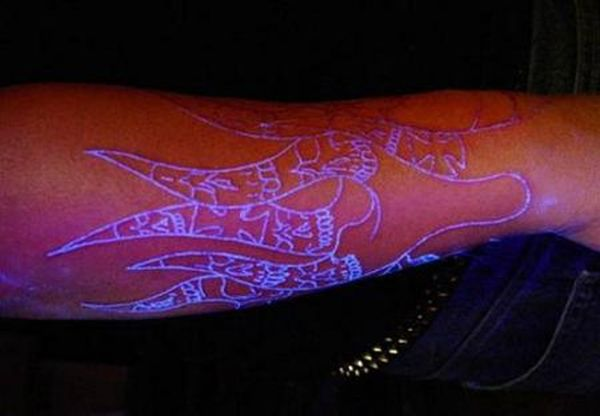 Blacklight Tattoos (14 pics)