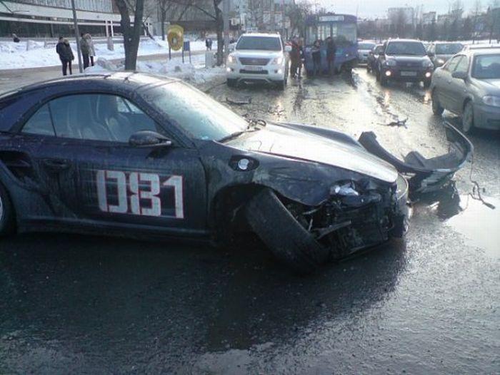 500 HP Porsche Wrecked in Siberia, Russia (7 pics)
