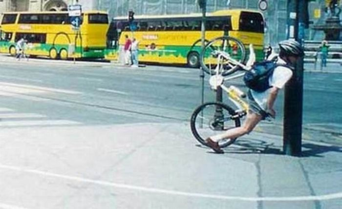 Unlucky Cyclists (18 pics)
