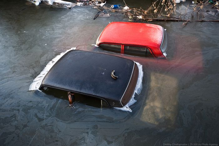 Flooded Garages in Moscow (12 pics)
