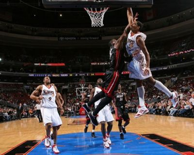 Getting Dunked On (40 pics)