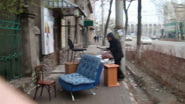 Looting in Kyrgyzstan (68 pics)
