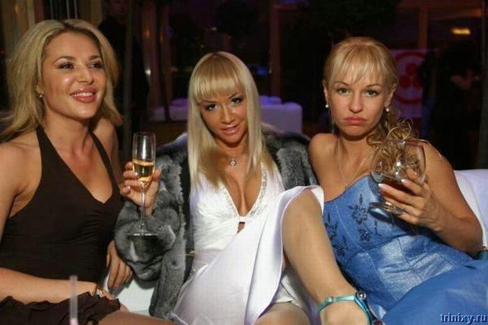 Silicone-Addicted Girls (196 pics)