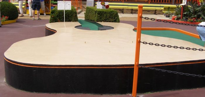 Awesome Mini Golf Courses (24 pics)