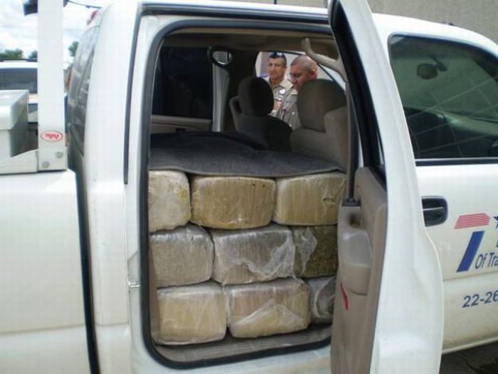 Car Full of Weed (6 pics)