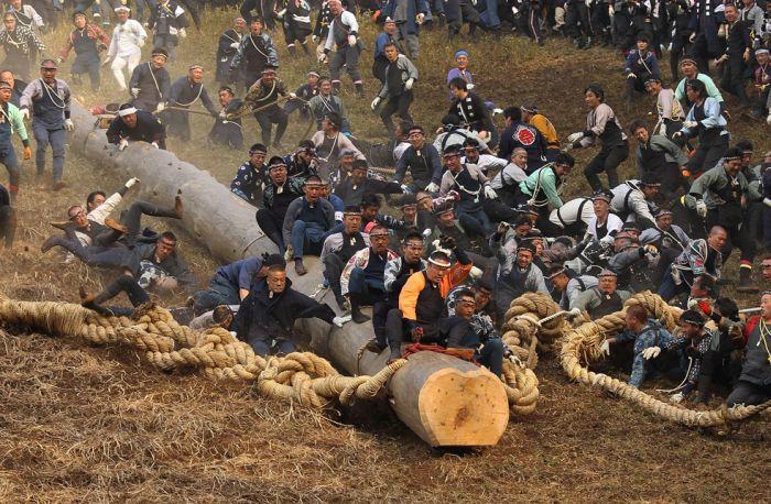 Onbashira Festival (22 pics)