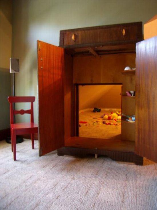 A Secret Room (2 pics)