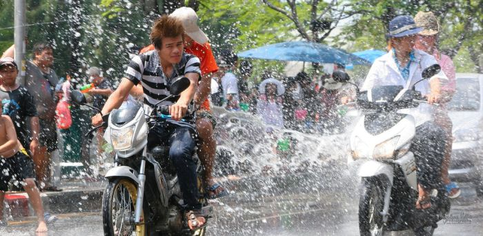 The Festival of Water in Thailand (22 pics)