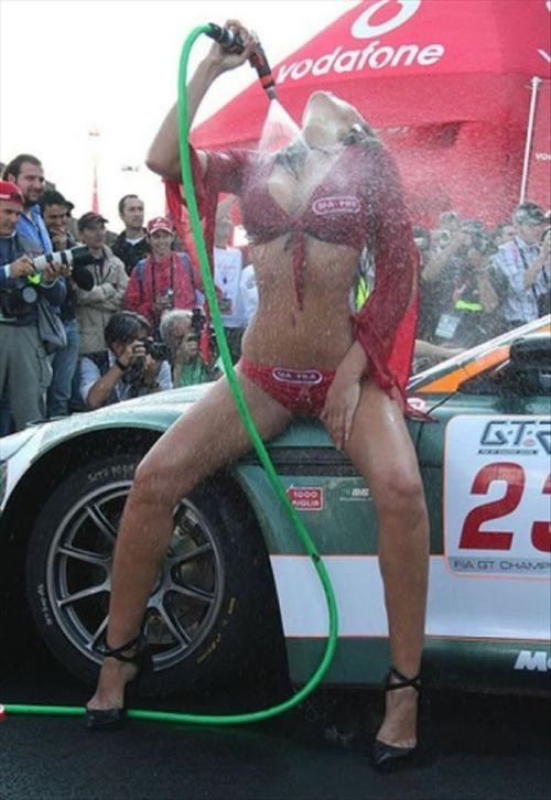 Sexy Car Wash Girls (53 pics)