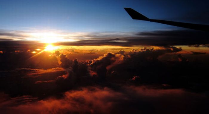 Beautiful View Out of an Airplane Window (5 pics)