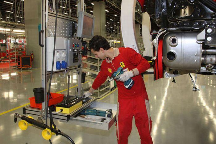 Inside Ferrari Plant (35 pics)