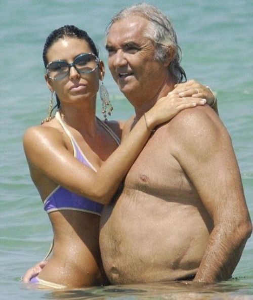 Hot Chicks and Rich Guys (31 pics)