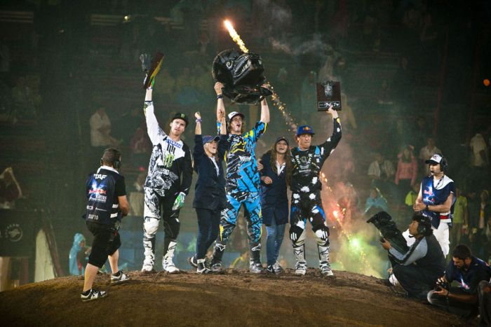 Red Bull X-Fighters 2010 in Mexico-City (21 pics)