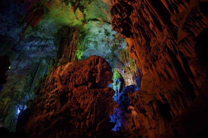Reed Flute Cave (31 pics)