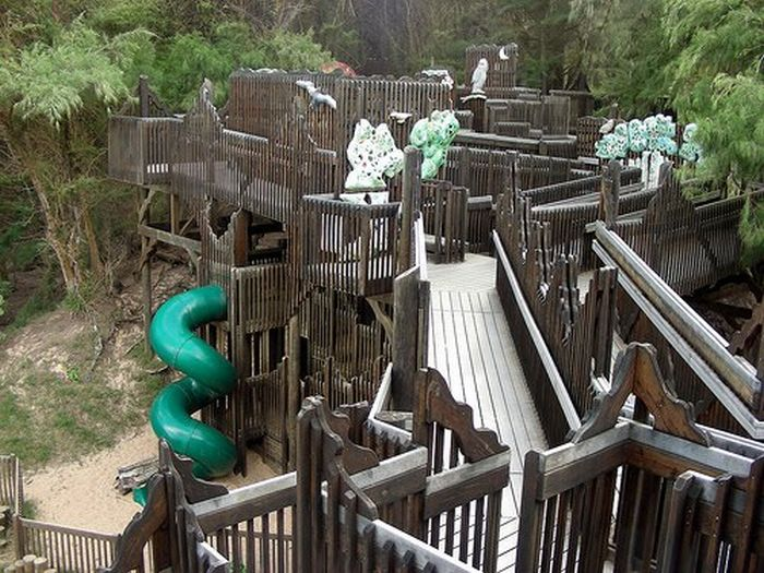 Unique Playgrounds (21 pics)