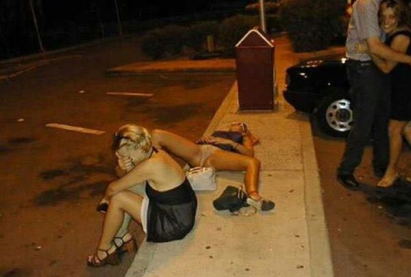 Drunk Girls. Part 2 (33 pics)