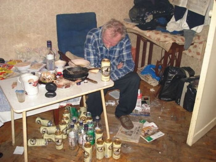 The Life of Russian Alcoholics (20 pics)