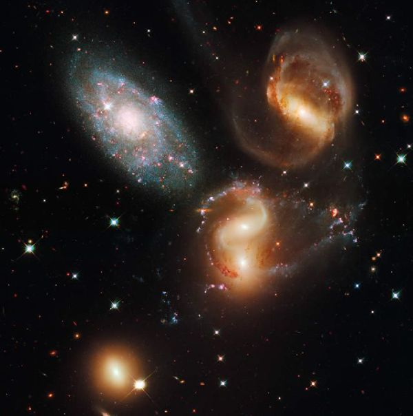 Beautiful Photographs of Universe Made by Hubble (62 pics)