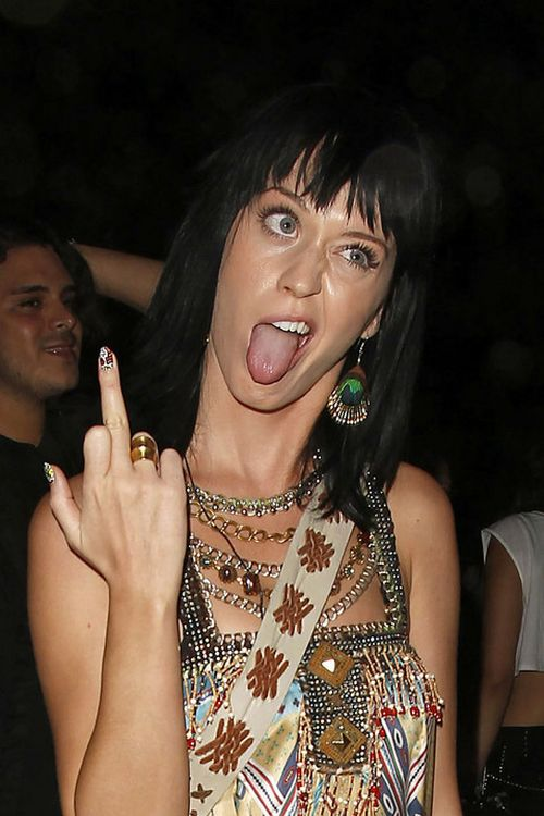 Katy Perry Making Faces (11 pics)