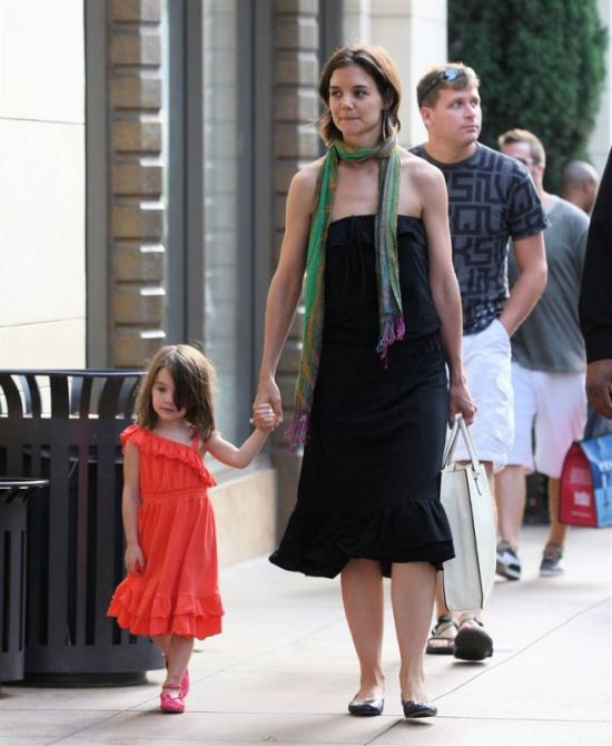 Different Styles of Suri Cruise (15 pics)