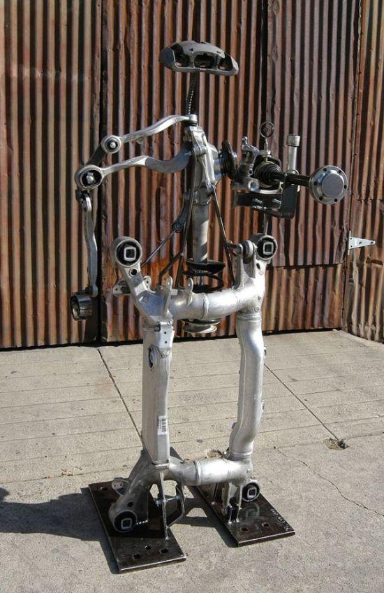 Robot Sculpture From Crashed BMW 645CI Car Parts (7 pics)
