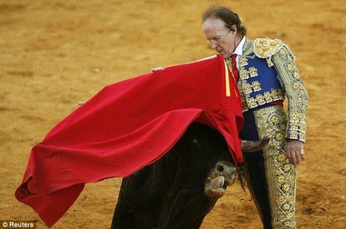 67-Year-Old Matador (7 pics)