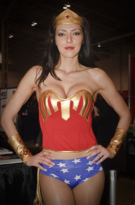 Adrianne Curry Playing Sci-Fi Dress Up 17 Pics-1778