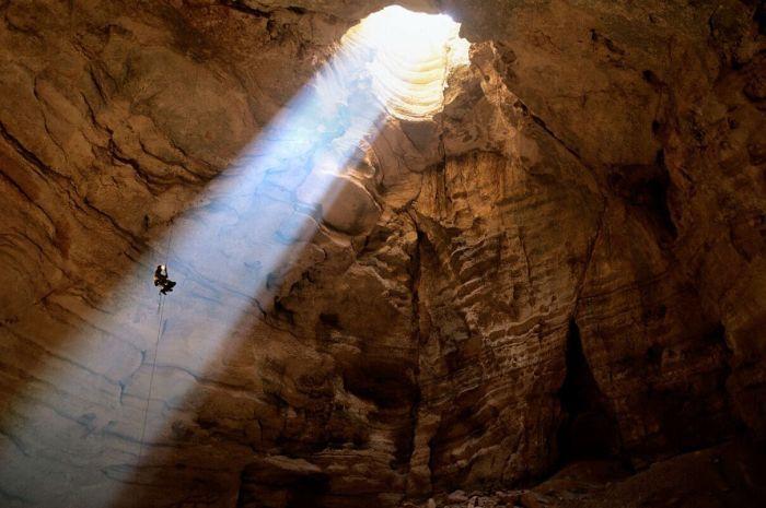 Beautiful Caves (13 pics)