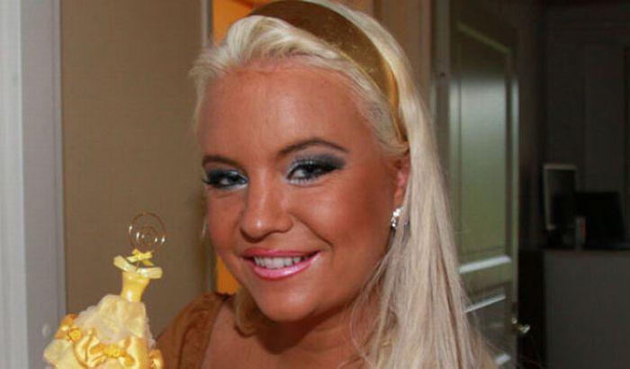Johanna Tukiainen, a Plastic Surgery Victim from Finnland (23 pics)