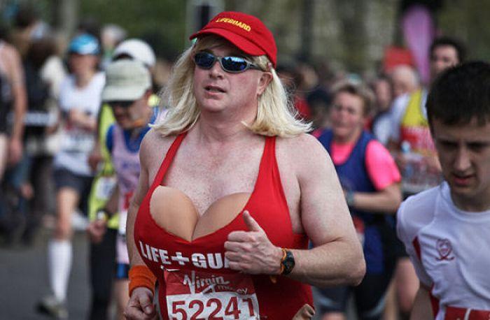 The Best Costumes of 2010 London Marathon (42 pics)