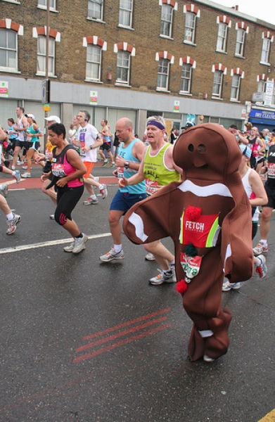 The Best Costumes of 2010 London Marathon (42 pics)