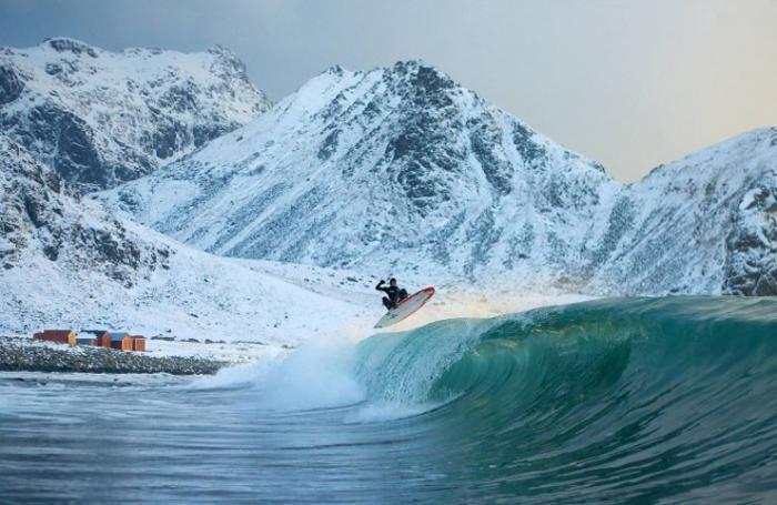 Arctic Surfing (8 pics)