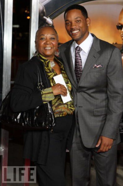 Celebrities And Their Mothers (37 pics)
