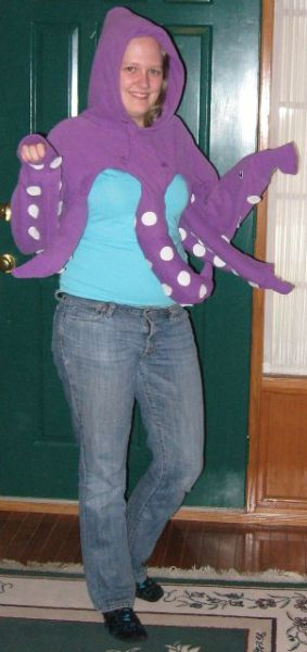 How to Make a Halloween Costume at Home (8 pics)
