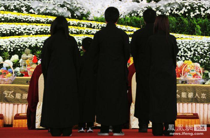 Funeral of Taiwan Mafia Boss (13 pics)