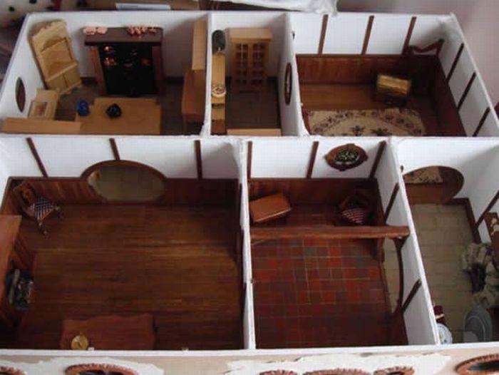 Hobbit House Replica (16 pics)