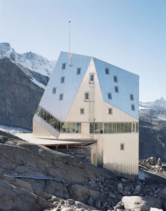 House on the Rocks in the Middle of Nowhere (9 pics)