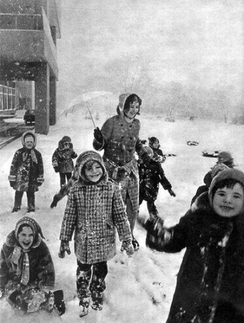 The Life of Soviet People (124 pics)