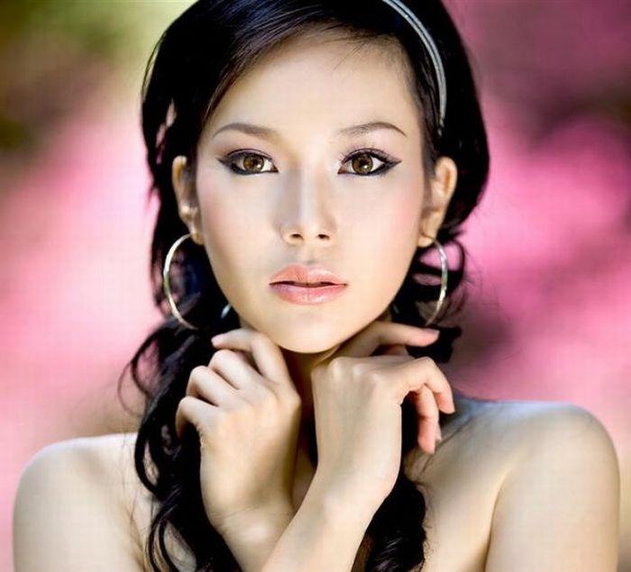 Beautiful Asian Women Images